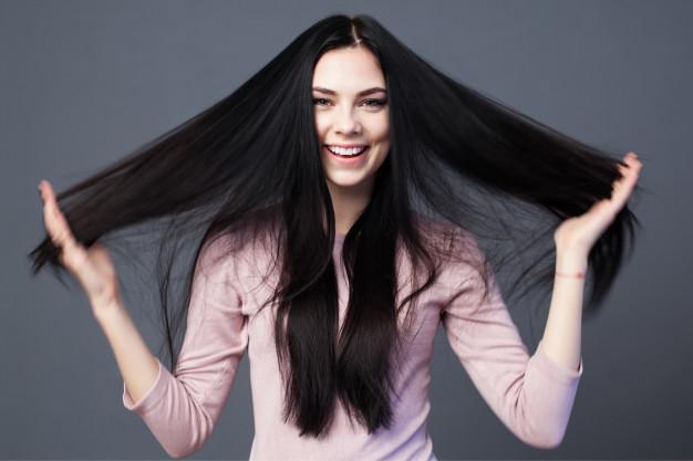 Tingir o cabelo loiro de preto diminui a porosidade?
