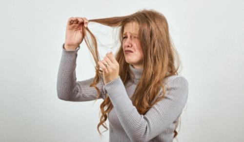 Por que o cabelo fica poroso?