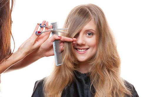 Como cortar cabelo? Dicas ao cabeleireiro  iniciante
