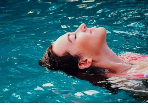 Composição do cloro da piscina × cabelo