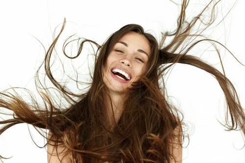 Como nascem os fios de cabelo?